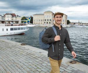 À Stockholm, Louis a adopté le mode de vie suédois