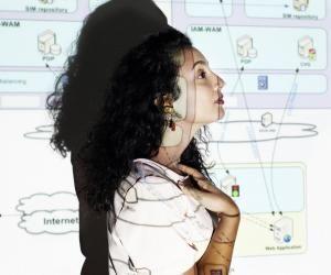 """Hana, ingénieure en sécurité informatique: """"J'aime travailler sous pression"""""""