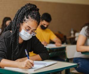 Les partiels, examens et concours peuvent se dérouler en présentiel