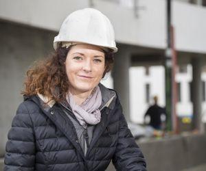 """Anna, conductrice de travaux : """"Je dirige une équipe de 17 ouvriers"""""""