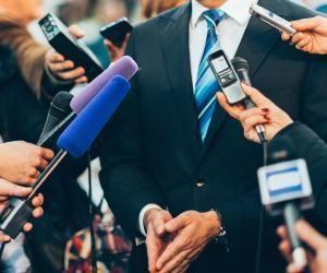 Comment devenir journaliste politique ?