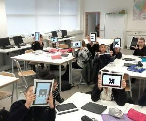 Au collège de Tourcoing, les tablettes ont remplacé lescahiers