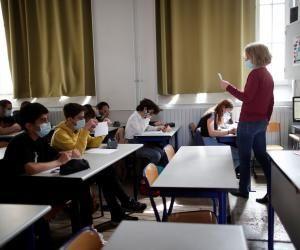 Covid-19 : le bilan sanitaire d'une année scolaire singulière