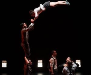 Cet acrobate a intégré la talentueuse Compagnie XY à 22 ans
