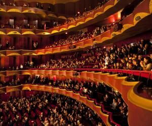"""Alexy, ouvreur à l'Opéra : """"J'ai commencé en renfort lorsdesgrosévénements"""""""