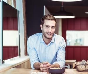 Benoît, un ancien étudiant de NEOMA devenu entrepreneur à succès