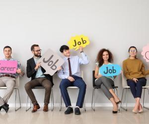 Jeunes diplômés : 7 réflexes pour trouver un emploi en pleine tempête économique