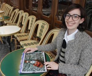 À 23 ans, elle signe sa première BD