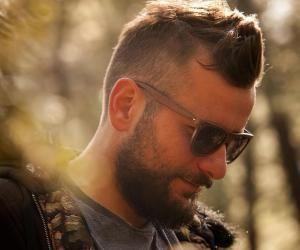 De la licence d'éco à l'ébénisterie : Ludovic crée des lunettes en bois