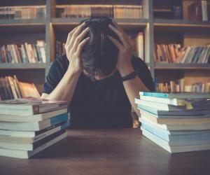 """Réforme des études de santé : le dilemme de """"l'après-PASS"""" pour les étudiants"""