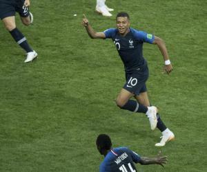 Comment devenir apprenti footballeur professionnel (etlefutur Mbappé)