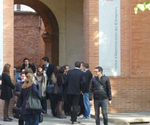 À quoi mènent les IAE ? Trois jeunes diplômés témoignent