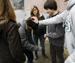 Harcèlement scolaire : victime ou témoin, à qui en parler ?