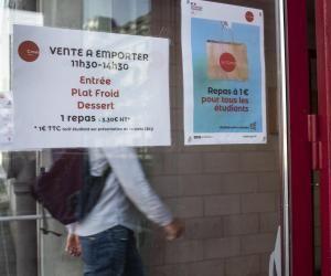 Des étudiants non boursiers protestent contre la fin des repas à un euro