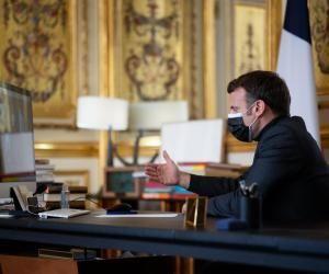 """Macron aux collégiens de 3e : """"Non, le brevet ne sera pas annulé cette année"""""""