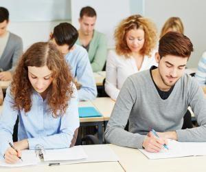 Intégrer une école de commerce en admissions parallèles : concours Passerelle PGE 1 et 2