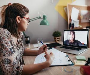 Favoriser l'accessibilité aux entreprises grâce aux cours à distance