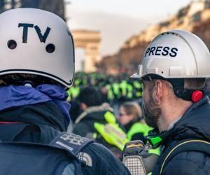 Comment les écoles de journalisme préparent leurs étudiants à couvrir les manifestations ?