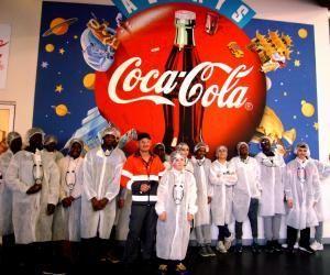 Coca-Cola dévoile ses secrets de fabrication à des collégiens
