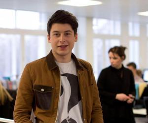 Ce jeune entrepreneur millionnaire décide de poursuivre ses études