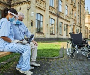 Covid-19 : 10.000 missions de Service civique créées auprès de personnes âgées