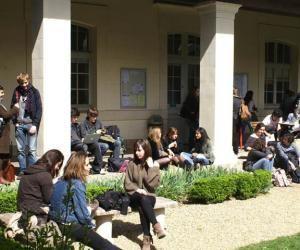 Les écoles qui recrutent hors Parcoursup: les instituts d'études politiques