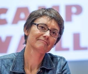"""Nathalie Arthaud : """"Les étudiants doivent réfléchir à comment sortir l'humanité du capitalisme"""""""
