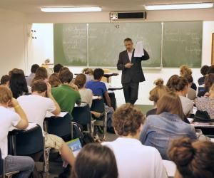 """Écoles d'ingénieurs : prépa """"classique"""" ou prépa intégrée, commentchoisir?"""