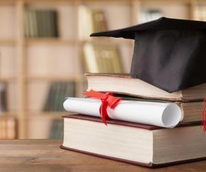 Labels, visas, grades, reconnaissance… Comment s'y retrouver pour bien choisir son école ?