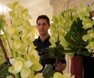 """Guillaume, fleuriste dans un palace parisien : """"Il faut savoir provoquer la chance !"""""""