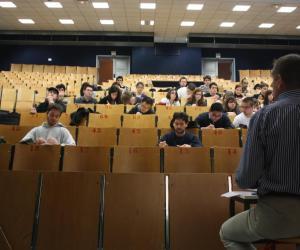 L'actu du sup : IAE France s'étoffe, la filière bois et la transition numérique, droits d'inscription des étudiants étrangers