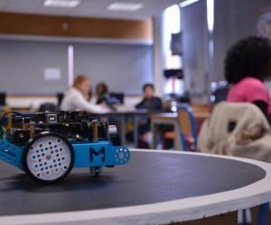 Cours de code au collège : un combat de robots-sumos au programme