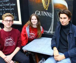 Ces étudiants de Dauphine éditent un guide de survie à Paris