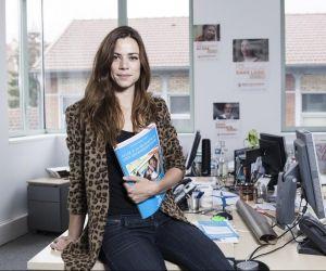"""Adélie, attachée de presse : """"Je dois expliquer nos actions aux journalistes"""""""
