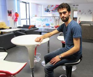 Guillaume, étudiant à l'ENSCMu, intégrée à l'UHA : son école de chimie lui donne des ailes