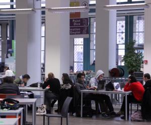 Aix-Marseille université : la fac de sciences fait peau neuve