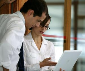 Postuler dans un cabinet juridique : comment les ressources humaines évaluent votre CV